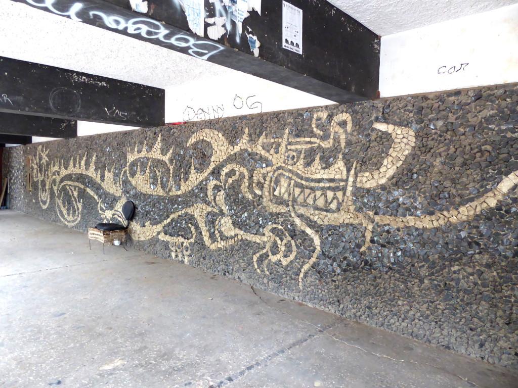 Der Drache des Drachenhauses (Casa do Dragão). Dazu gibts sogar schon einen Wikipedia-Artikel von mir.
